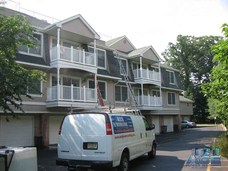 Exterior Cleaning of Multi-Unit Townhouses in Bergen County, NJ