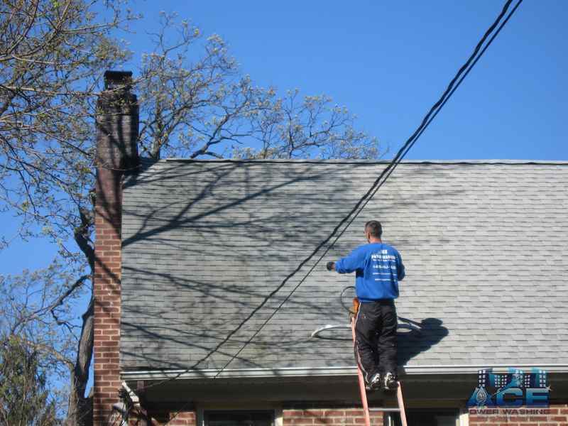 Roof Cleaning to Remove Rust Stains in Montclair, NJ
